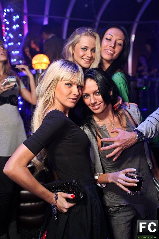 фото в клубе такиеро